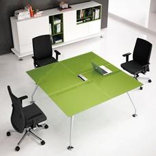 Design Glas Besprechungstisch, Glasschreibtisch, kleiner Meetingtisch in der Farbe Pistazie und Chrom Tischgestell