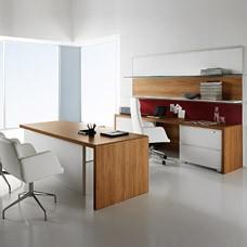 Manatta Chef-Schreibtisch, Ttischfuß geschlossen Nussbaum