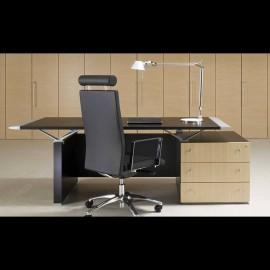 einzigartiger Büro Chefschreibtisch mit Schubladencontainer in heller Eiche, Managerbüro