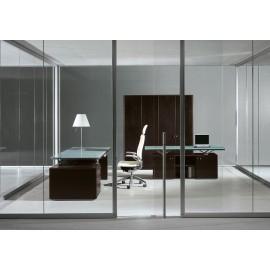 Abc 10 Chef Büeromöbel, Schreibtisch mit Glas satiniert, Wengeholz Tischgestell, Aluminium