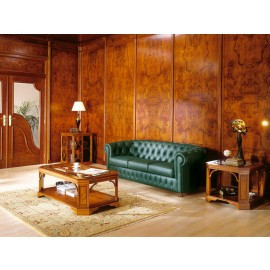 art&moble  21  Loungebereich klassisch, Leder Sofa mit Knopfsteppung, Couchtisch in Kirsche
