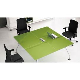 Enosi Evo 05 Design Glas Besprechungstisch, kleiner Meetingtisch in der Farbe Pistazie und Chrom Tischgestell