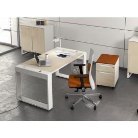 LOGIC 03 Mitarbeiter-Schreibtisch, modernes Design mit integrierter Kabelführung