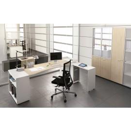 LOGIC 04 Büro-Schreibtisch, modern und kompakt, Ablagen integriert, Tischoberfläche Taki Ahorn