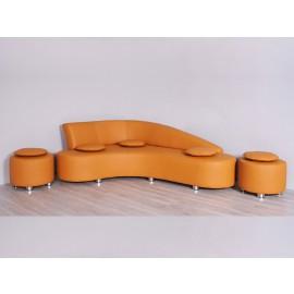 s-11  05  Design Lederpolster Ecksofa mit passenden Hocker und Kissen, ideal für Loungebereich