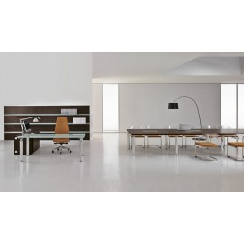 Studio 11 hochwertiges Chefbüro mit Konferenztisch