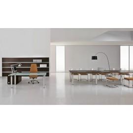 Studio 03 hochwertiges Chefbüro mit Konferenztisch