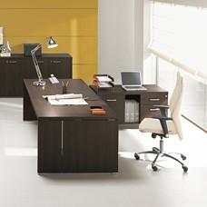 Chef Schreibtisch DELTA EVO  geradliniges Design mit geschlossenen Seiten, in Wenge
