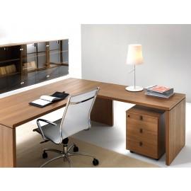 07 Winkelschreibtisch mit geschlossenen Seitenwangen, Chefzimmermöbel innovativ und preiswert, Walnuss natur, Aktenschrank mit Glastüren - Lithos