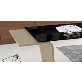 20  Details Chefschreibtisch mit schwarzer Glastischplatte, Larus