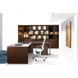 21 Chefbüro Schreibtisch mit modularem Aktenschrank, zweifarbig, offenes Regal in Eiche dunkel und Elfenbein Rückwand, Glastürenschrank mit Aluminiumrahmen - Lithos