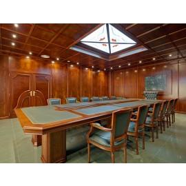 art&moble  33  Konferenzzimmer klassisch mit Konferenztisch und Leder, Kirsche und Wurzelholz