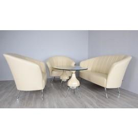 s-8  07 Einladende Lounge, Office Sitzgruppe, als 1,2 & 3-Sitzer erhältlich sowie den passenden Couchtisch