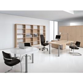 Studio 08 Chefzimmer im exklusiv Design, Eiche hell und Glas Meeting Tisch