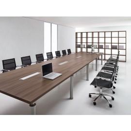 Studio 04 - großer Konferenztisch mit Elektrifizierung, Multimedia Anschluß