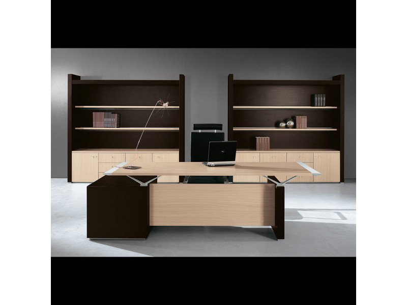 Chefbüro Schreibtisch im moderen Design, exklusives Tischgestell - ABC -